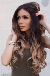 Clip in vlasy – jak je správně používat a nosit