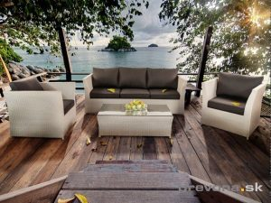 Zahradní nábytek musí být odolný