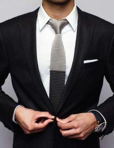 Kravaty se skvěle hodí do práce i na svatební událost